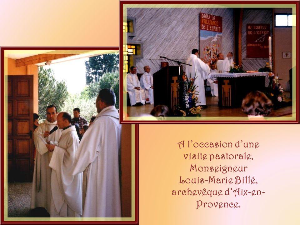 A l'occasion d'une visite pastorale, Monseigneur