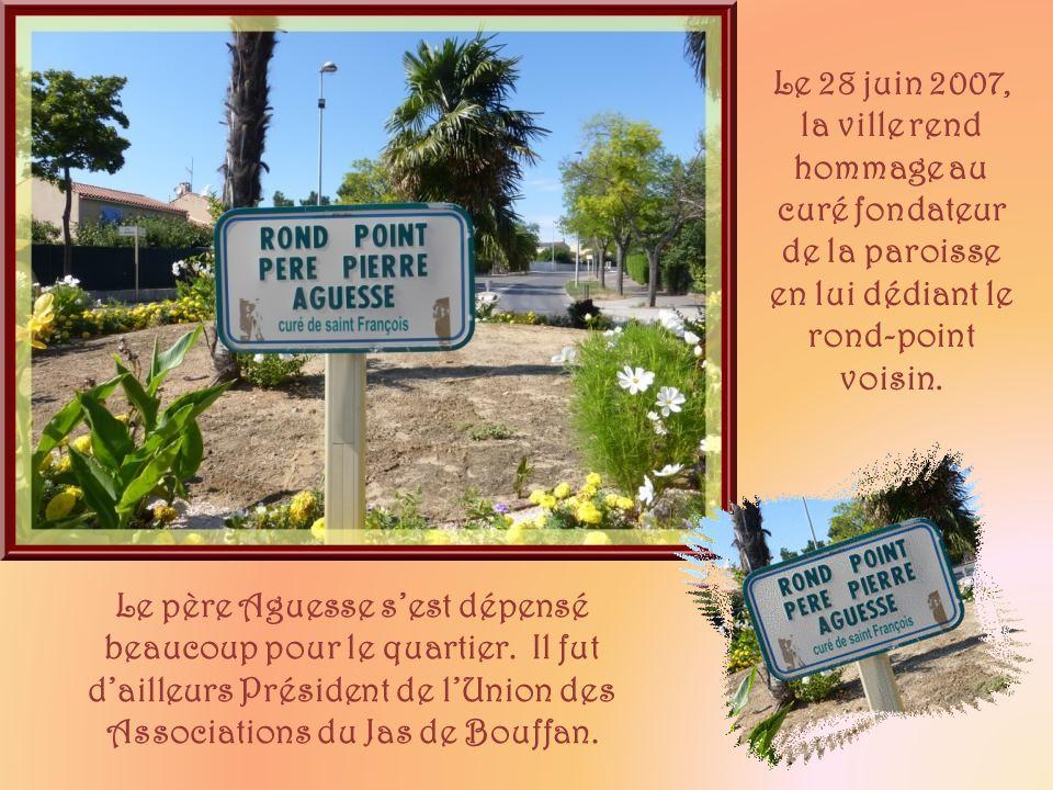 Le 28 juin 2007, la ville rend hommage au curé fondateur de la paroisse en lui dédiant le rond-point voisin.