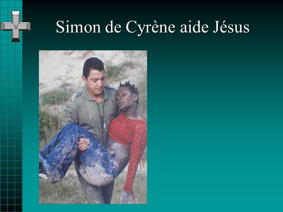 Simon de Cyrène aide Jésus