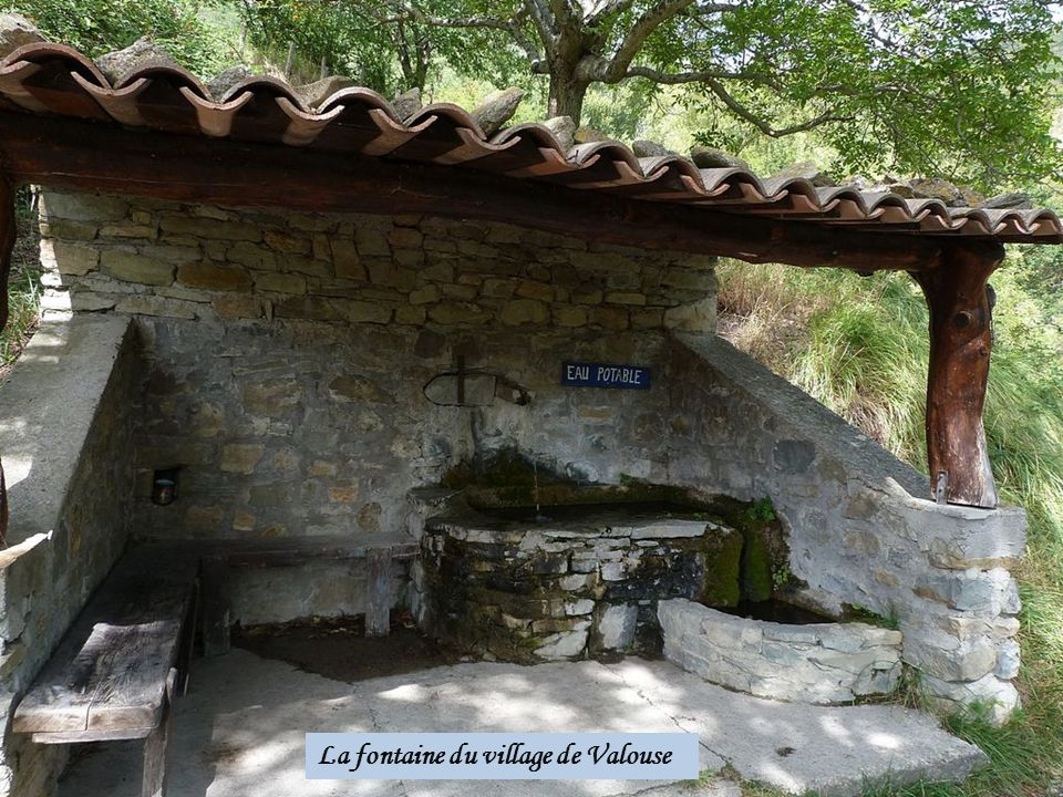 La fontaine du village de Valouse