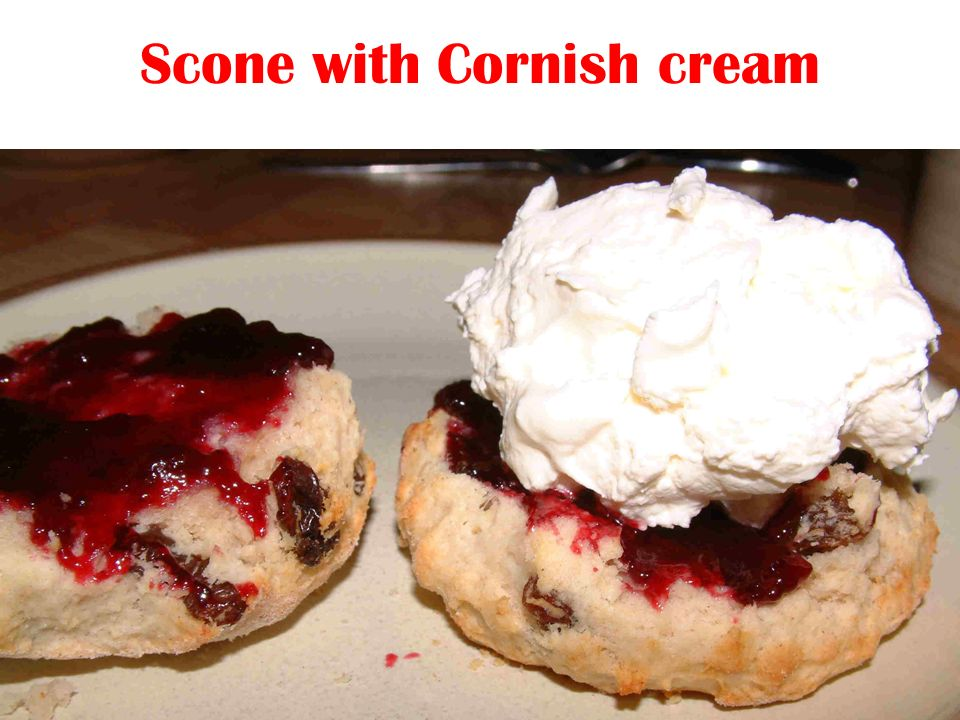 Scone with Cornish cream