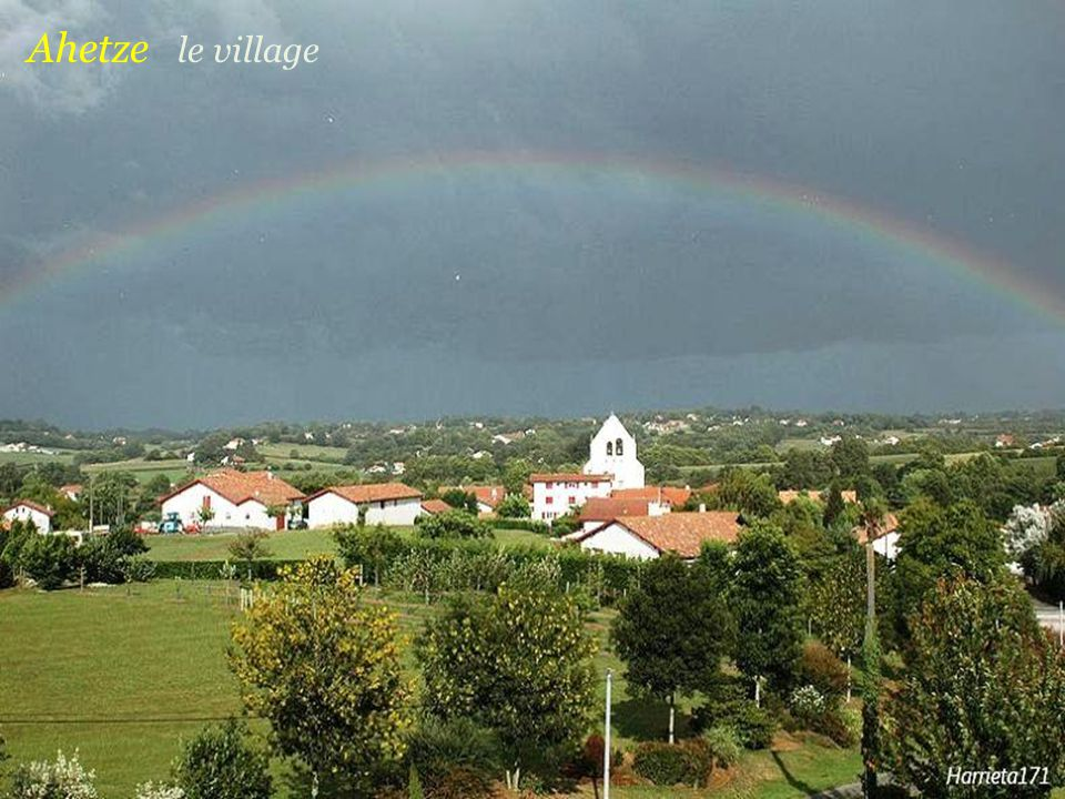 Ahetze le village