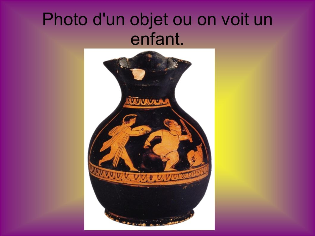 Photo d un objet ou on voit un enfant.